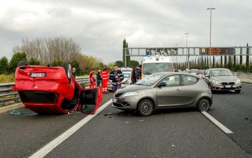 autóbaleset Autómentés Autószállítás Autómentő Furgonmentés Kisteherautó mentés