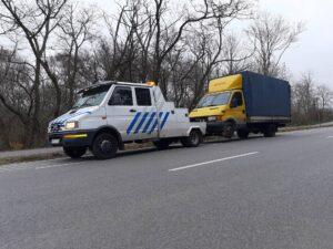 Autómentés villás emelve vontatás furgonmentés Műszaki mentés Kisteherautó mentés 0-24h